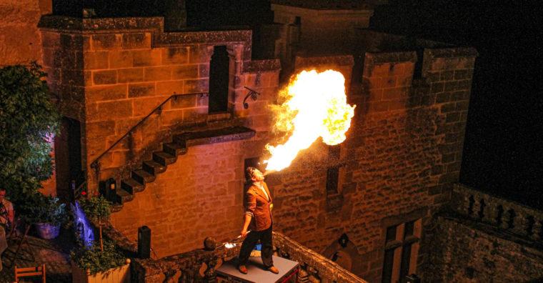 Illustration de l'article Puymartin, le château fait de la résistance festive